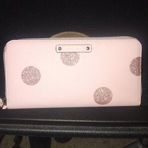 Kate Spade ♠️ Neda zip around wallet